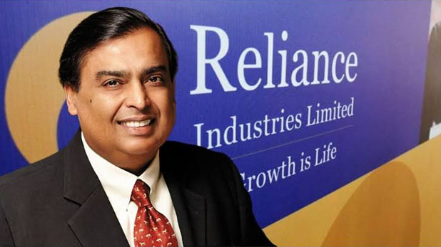 Mukesh Ambani the richest 9th person in the world, earning 7 crores per hour