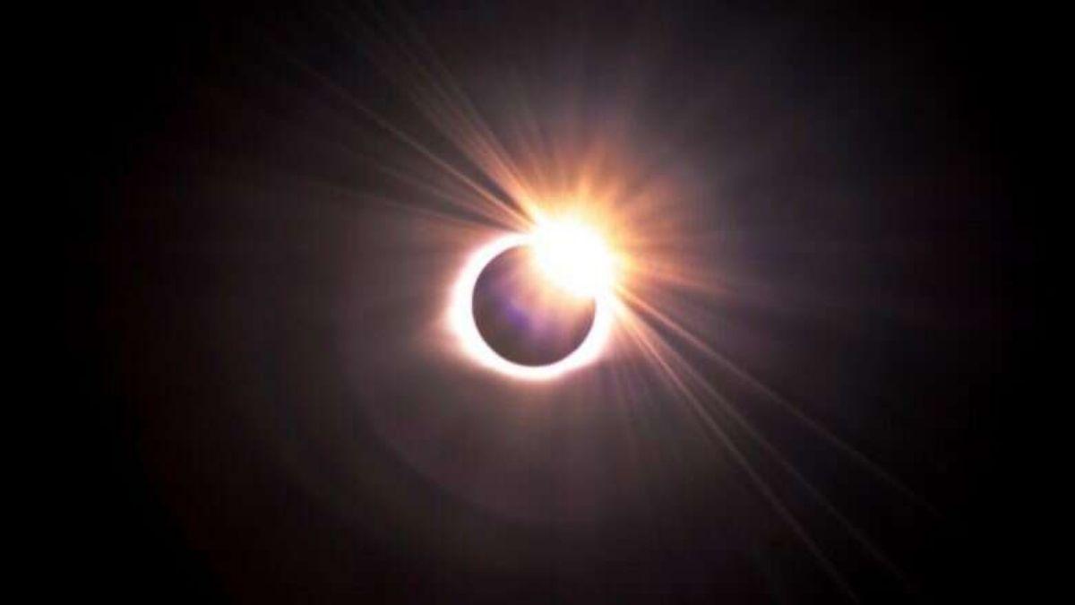 Solor Eclipse Naked EYE
