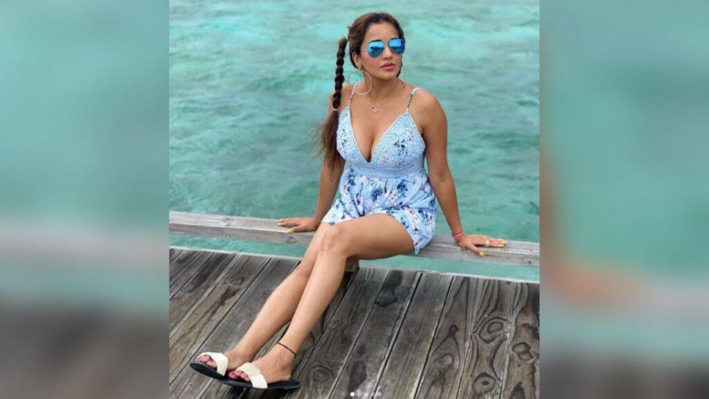 Monalisha Hot Pics