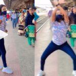 """रेलवे प्लेटफार्म पर अचानक एक लड़की """"सात समुंदर पार"""" Song पर डांस करने लगी, लोग देखते ही रह गए.. देखें Video"""